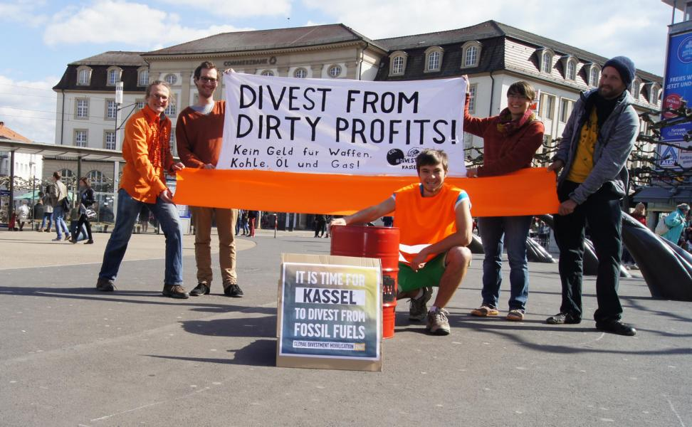 divest_from_dirty_profits_banner_kassel.JPG
